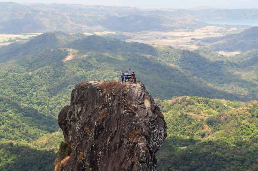 QUE.COM.Cavite.Mt.PicodeLoro